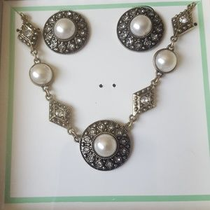 New Vintage Jewelry Set